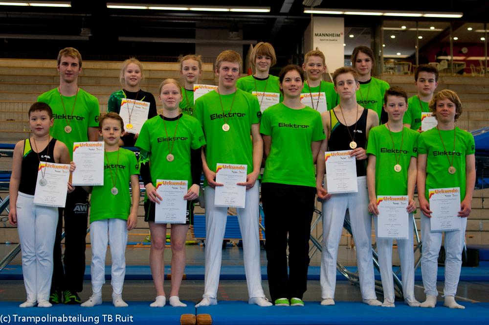 Die Ruiter Mannschaft mit Medaillen nach einem erfolgreichen Wochenende